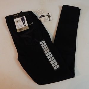 Seven7 Size 4 Black High Rise Skinny Jeans NWT